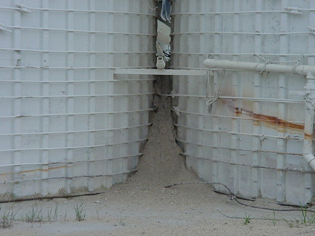 material buildup on silo